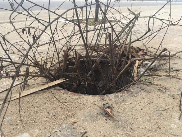 Hàng loạt nắp cống bị trộm trên con đường đẹp nhất Quảng Ngãi - Ảnh 3.