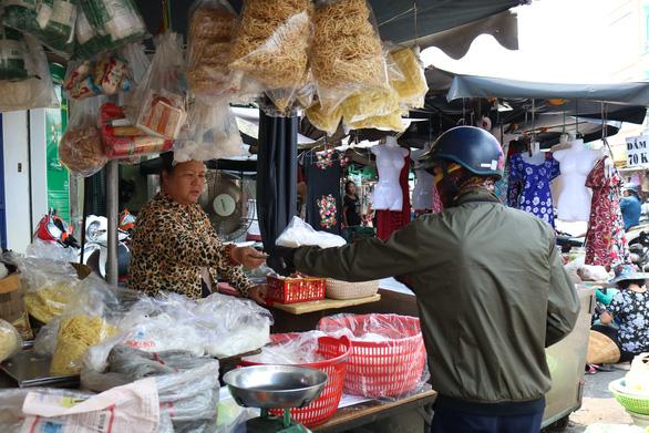 350 tiểu thương chợ Cô Giang mong có nơi mới để mưu sinh - Ảnh 8.