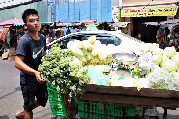 350 tiểu thương chợ Cô Giang mong có nơi mới để mưu sinh - Ảnh 9.