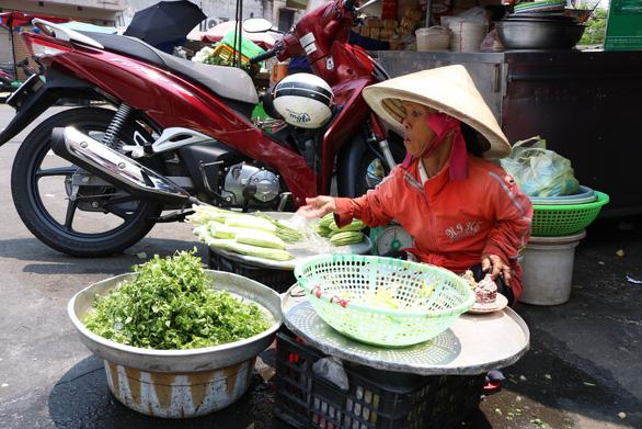 350 tiểu thương chợ Cô Giang mong có nơi mới để mưu sinh - Ảnh 6.