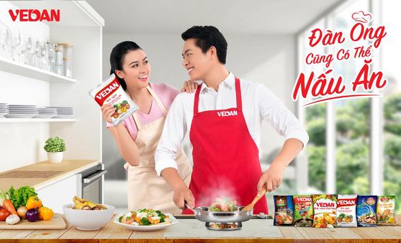 Đàn ông không ngại nấu ăn, chỉ cần có trợ thủ đắc lực - Ảnh 2.