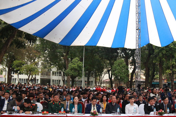 Hàng vạn học sinh dự Ngày hội tư vấn tuyển sinh quy mô nhất từ trước đến nay - Ảnh 2.