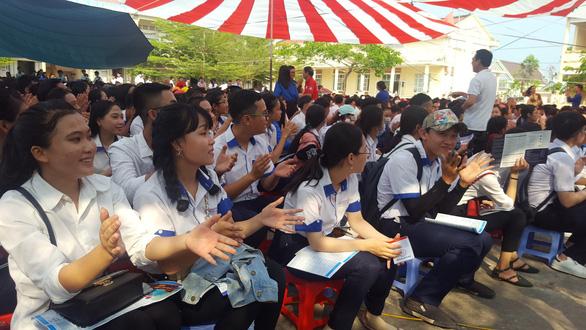 Học sinh Cà Mau muốn ra trường về phục vụ tỉnh nhà - Ảnh 2.