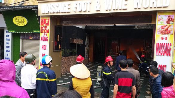 Cháy khách sạn giữa trung tâm Hải Phòng, ít nhất một người chết - Ảnh 1.