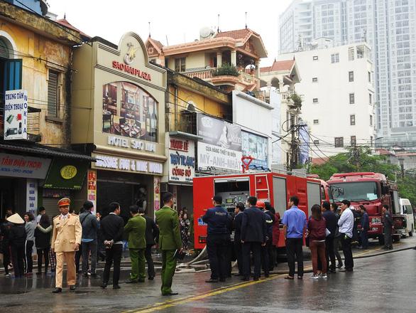 Cháy khách sạn giữa trung tâm Hải Phòng, ít nhất một người chết - Ảnh 4.