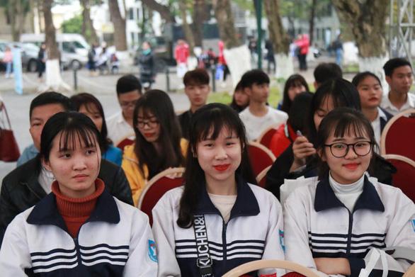 Hàng vạn học sinh dự Ngày hội tư vấn tuyển sinh quy mô nhất từ trước đến nay - Ảnh 9.