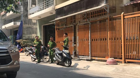 Công an khám xét hàng loạt nhà cựu quan chức Đà Nẵng - Ảnh 4.