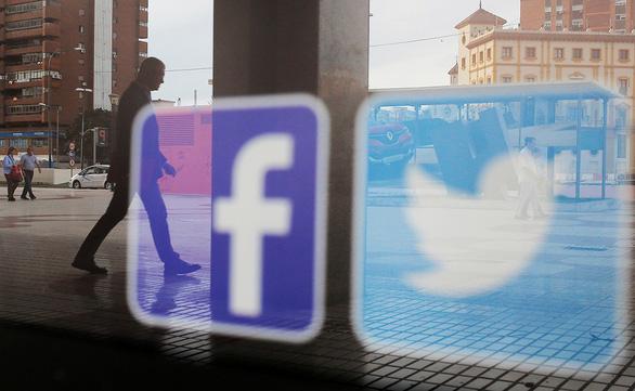 Trào lưu mới thời mạng xã hội: phát cảnh khủng bố! - Ảnh 1.