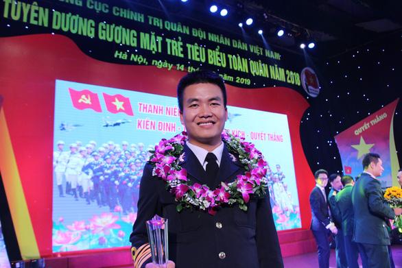 Phi công đầu tiên lái thủy phi cơ DHC-6 về Việt Nam - Ảnh 4.