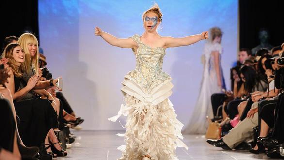 Madeline Stuart - người mẫu Down nổi tiếng - Ảnh 1.