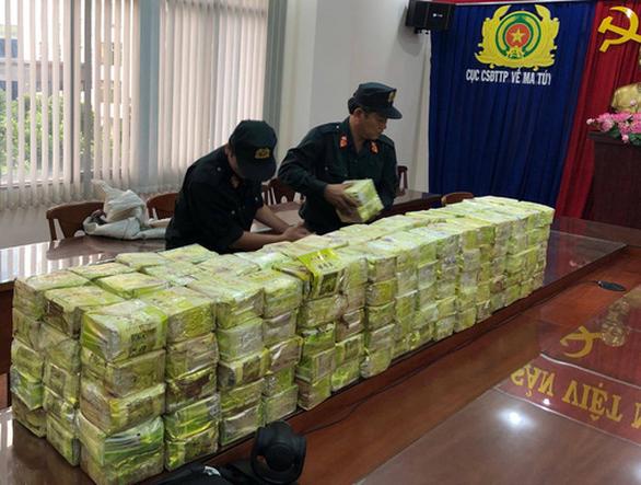 Đánh sập đường dây ma túy xuyên quốc gia, thu 300kg ma túy đá - Ảnh 1.