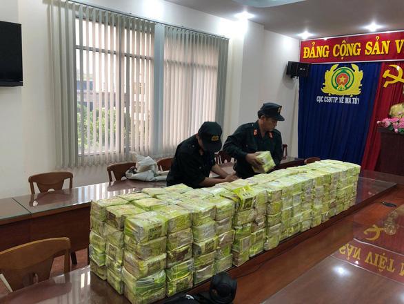 Khởi tố 4 bị can chủ chốt đường dây 300kg ma túy đá xuyên quốc gia - Ảnh 1.