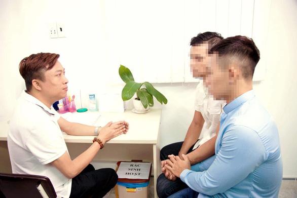 Nguyễn Anh Phong: Tôi muốn giơ tay ra với người nhiễm HIV/AIDS - Ảnh 3.