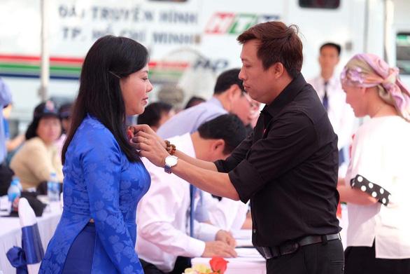Nguyễn Anh Phong: Tôi muốn giơ tay ra với người nhiễm HIV/AIDS - Ảnh 1.