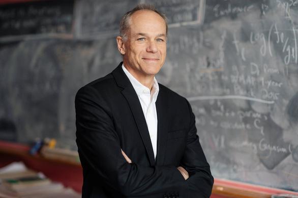 Nhà vật lý Brazil giành giải Templeton hơn 32 tỉ đồng - Ảnh 1.