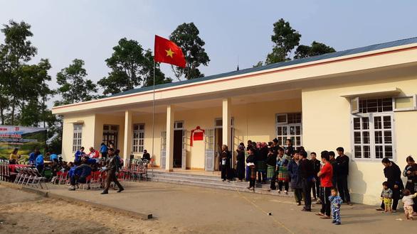 Bạn đọc Tuổi Trẻ tặng điểm trường cho dân vùng lũ Yên Bái - Ảnh 2.