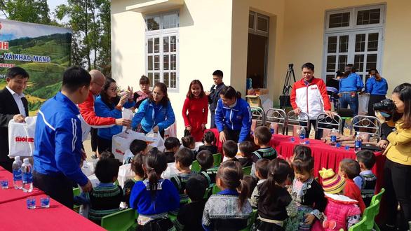 Bạn đọc Tuổi Trẻ tặng điểm trường cho dân vùng lũ Yên Bái - Ảnh 5.