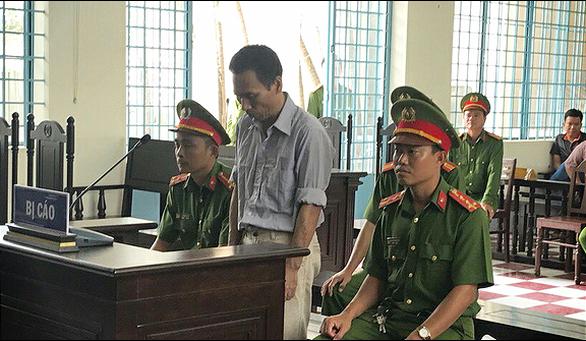 Lãnh 2 năm tù vì xuyên tạc Đảng, Nhà nước trên Facebook - Ảnh 1.
