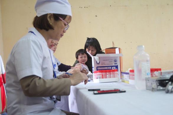 200 bé nhiễm sán heo, Sở Y tế chờ chỉ giáo từ chuyên gia đầu ngành - Ảnh 1.