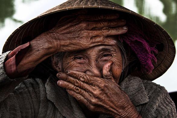 Bức ảnh 3 tỉ đồng: Hóa ra nhiếp ảnh 'mua nước mắt' vẫn thắng thế - Ảnh 2.