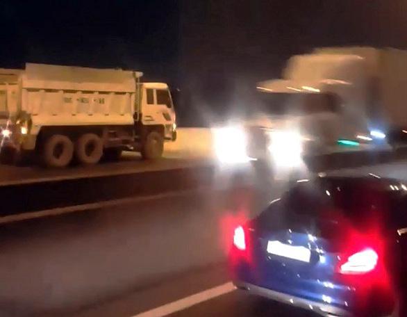 Nguy cơ tai nạn trên đường cao tốc - Ảnh 1.