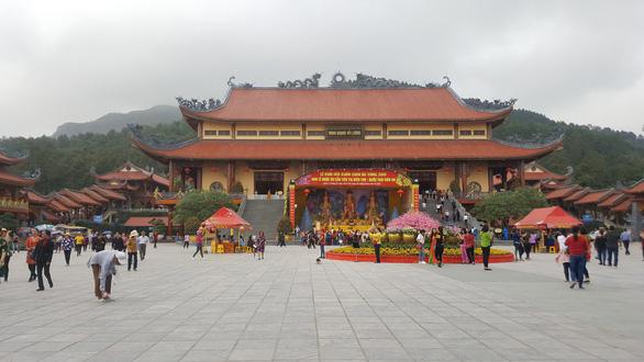 Bộ Văn hóa lập đoàn kiểm tra, chùa Ba Vàng họp báo vụ vong báo oán - Ảnh 2.