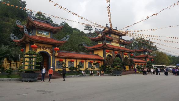 Giáo hội Phật giáo Việt Nam yêu cầu xử lý nghiêm vụ chùa Ba Vàng - Ảnh 1.