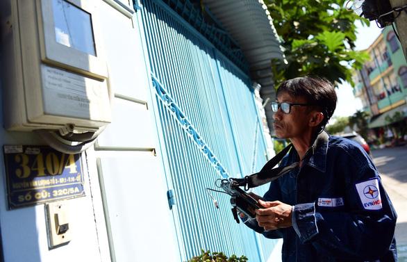 Khách hàng phải trả thêm hơn 48.000 đồng khi điện tăng giá - Ảnh 1.
