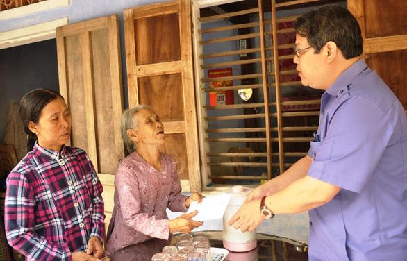 Gia đình Thủ tướng vận động 100 triệu giúp gia đình anh dân quân cứu dân trong lũ - Ảnh 1.