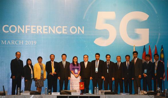 Bộ trưởng Nguyễn Mạnh Hùng: Việt Nam sẽ là một trong những nước đầu tiên triển khai 5G - Ảnh 2.