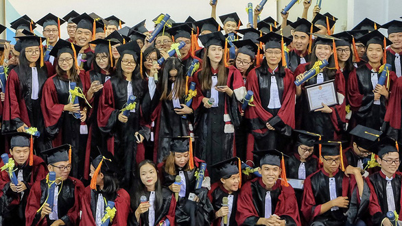 Nhận học bổng Vingroup, không nhất thiết làm cho Vingroup - Ảnh 1.
