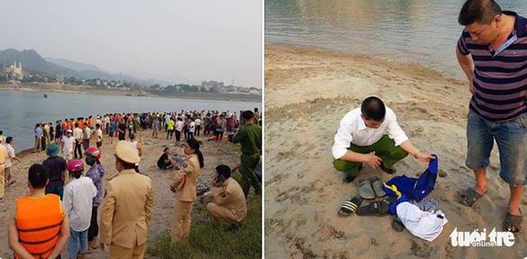 Rủ nhau tắm sông Đà, 8 học sinh chết đuối thương tâm - Ảnh 11.
