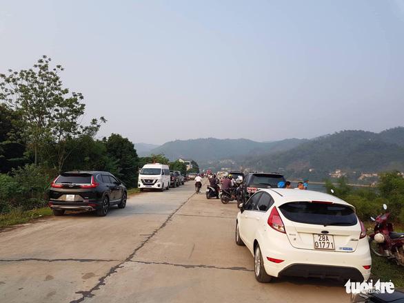 Rủ nhau tắm sông Đà, 8 học sinh chết đuối thương tâm - Ảnh 8.