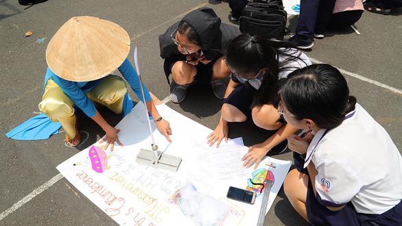 Hơn 200 học sinh TP.HCM háo hức tự tay đo chu vi Trái đất - Ảnh 5.