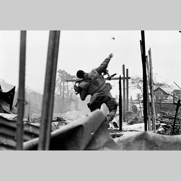 Ảnh chiến tranh Đông Dương lần đầu tiên triển lãm tại Singapore - Ảnh 3.