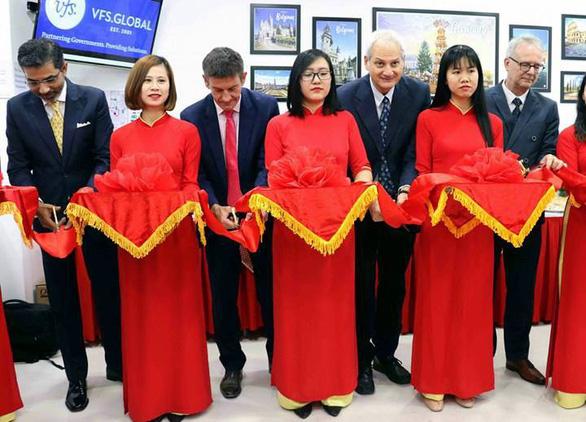Mở trung tâm tiếp nhận hồ sơ xin thị thực Bỉ, Đức và Ý tại Đà Nẵng - Ảnh 1.