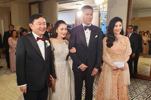 Cựu thủ tướng Thái Lan Thaksin và em gái xuất hiện tại Hong Kong - Ảnh 1.