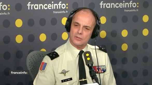 Quân đội Pháp cho phép bắn người biểu tình gây nguy hiểm  - Ảnh 1.