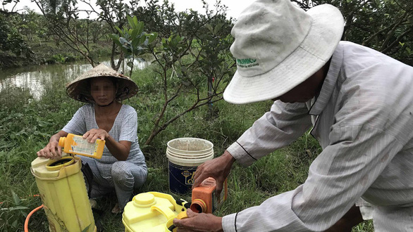Thuốc diệt cỏ gây ung thư: dây dưa không cấm, bất lợi cho nông nghiệp - Ảnh 1.