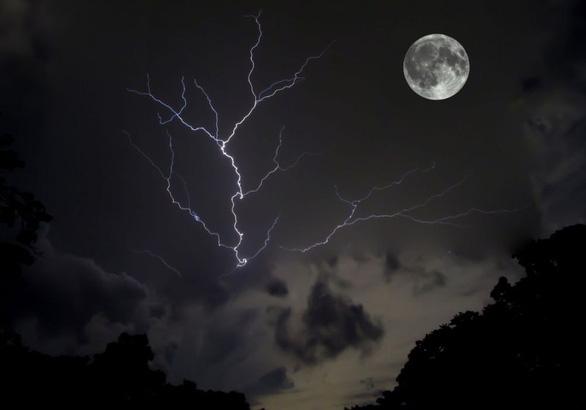 Trăng sói, trăng tuyết, trăng hồng… là trăng gì? - Ảnh 7.