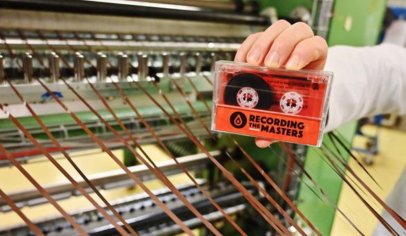 Tưởng đã xếp xó, bỗng nhiên mà cassette và đĩa than kéo nhau quay lại - Ảnh 5.