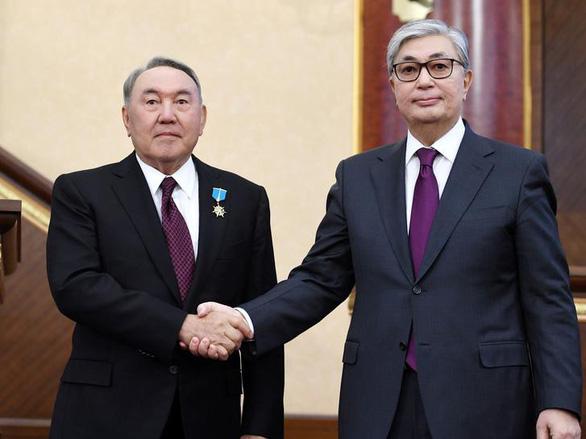 Phía sau quyết định từ chức của ông Nadabaev - Ảnh 2.