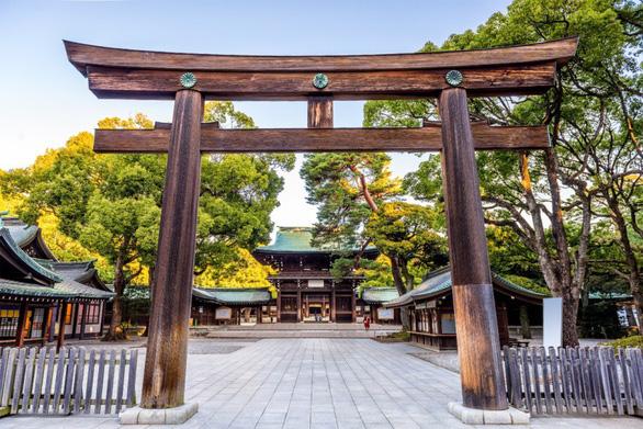 Tour tháng 5 tham dự sự kiện trọng đại của Nhật Bản - Ảnh 2.