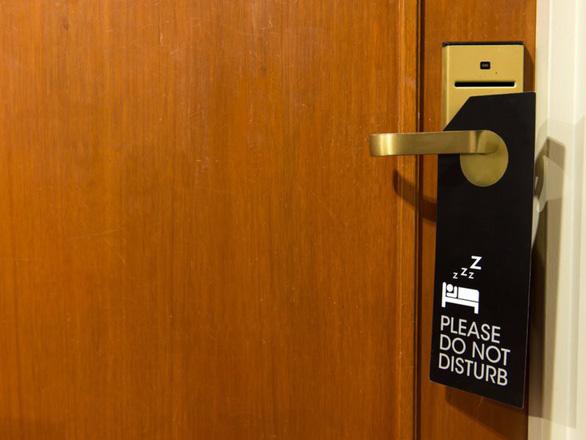 13 cách đơn giản giúp bạn an toàn khi ở khách sạn - Ảnh 3.