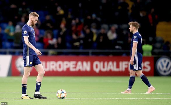 Scotland thảm bại trước đối thủ kém họ 77 bậc trên bảng xếp hạng FIFA - Ảnh 2.