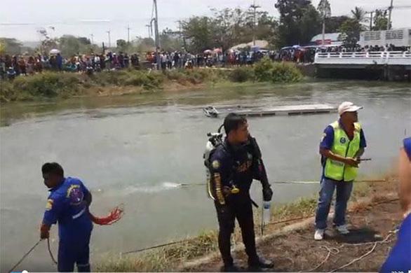 Xe khách gặp nạn ở Thái Lan, 5 người Việt tử vong - Ảnh 1.