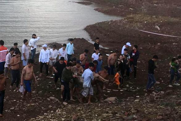Bé trai 13 tuổi chết đuối dưới công trình trạm bơm cấp nước - Ảnh 1.