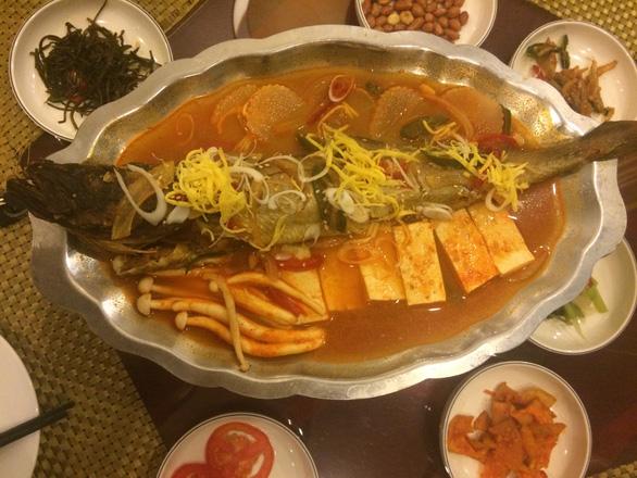 Nhà hàng Triều Tiên ở nước ngoài gặp khó vì lệnh trừng phạt? - Ảnh 2.
