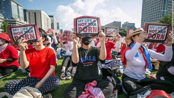 Bê bối quay lén ở Hàn Quốc: Xin cánh đàn ông hãy dừng lại! - Ảnh 2.