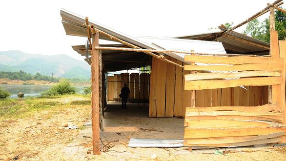 Ồ ạt dựng cả trăm nhà, lều trái phép chờ...  đền bù - Ảnh 3.